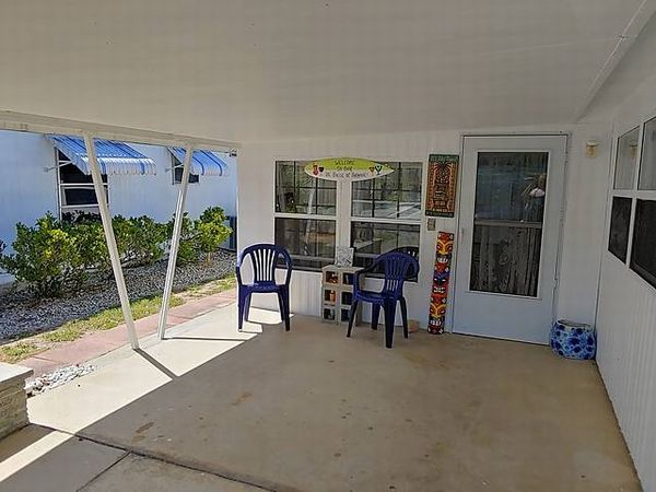 102 Holly Drive , Tavares FL 32778