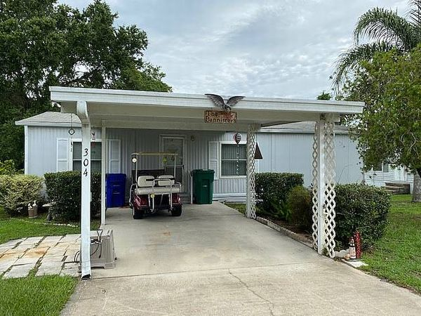 304 Palm Avenue , Wildwood FL 34784