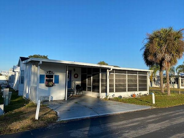 609 Hwy 466, lot 666, Lady Lake FL 32159
