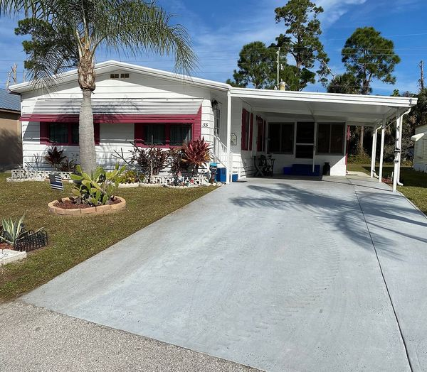 35 Flores Del Norte, Fort Pierce FL 34951