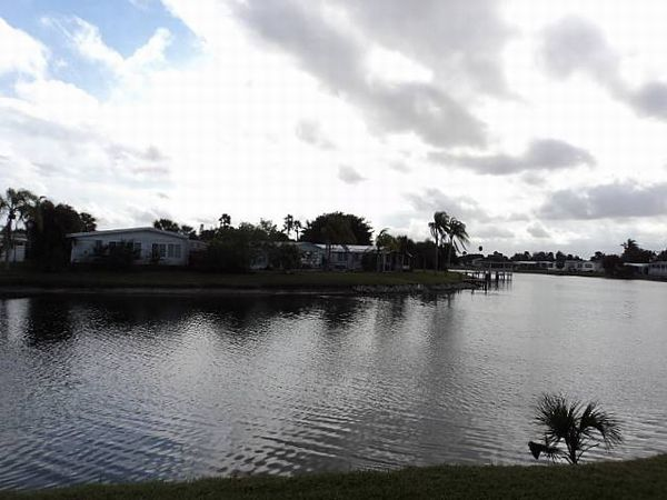 7300 20th St, Lot 521, Vero Beach FL 32966
