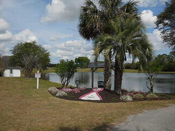 70 Robin Road, Wildwood FL 34785